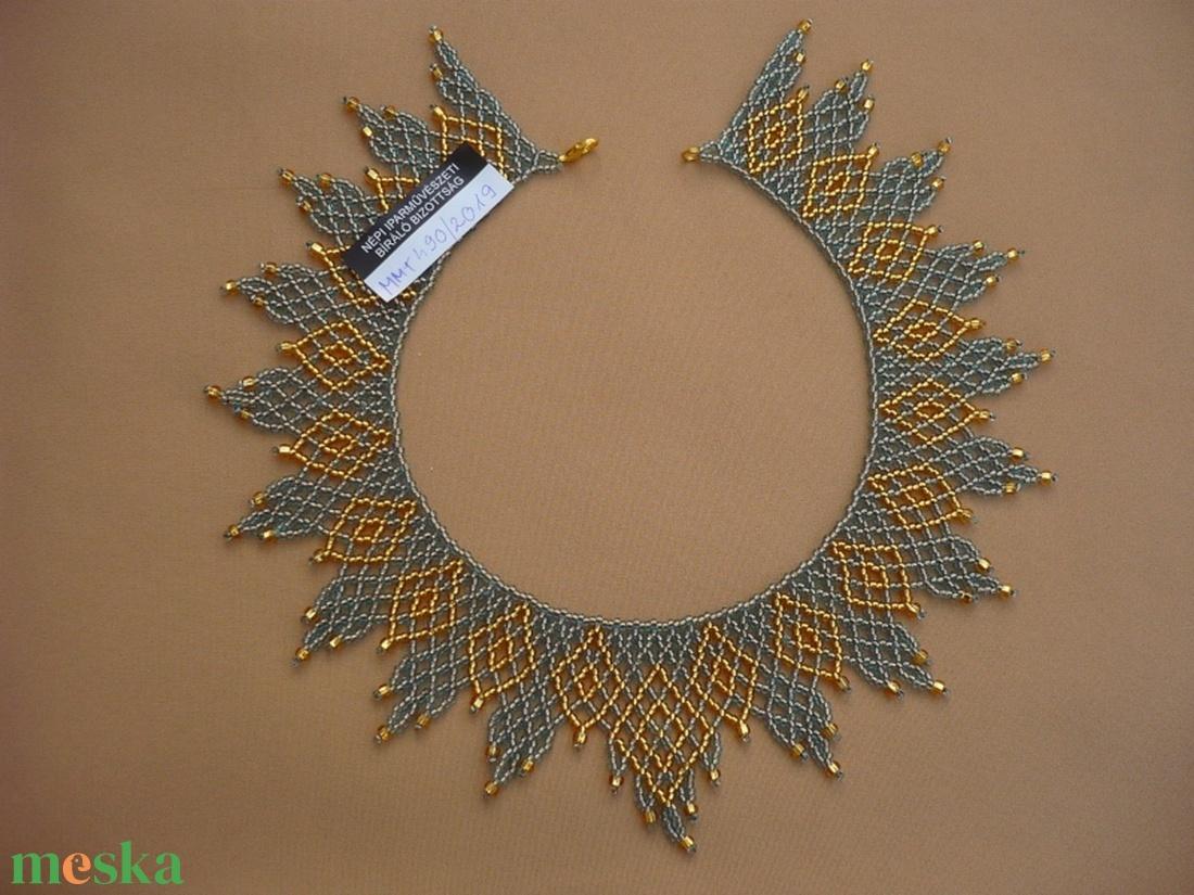 Ukrán cakkos kék-arany  gyöngy gallér, gyöngy nyaklánc, gyöngy ékszer - ékszer - nyaklánc - nyakpánt, gallér - Meska.hu