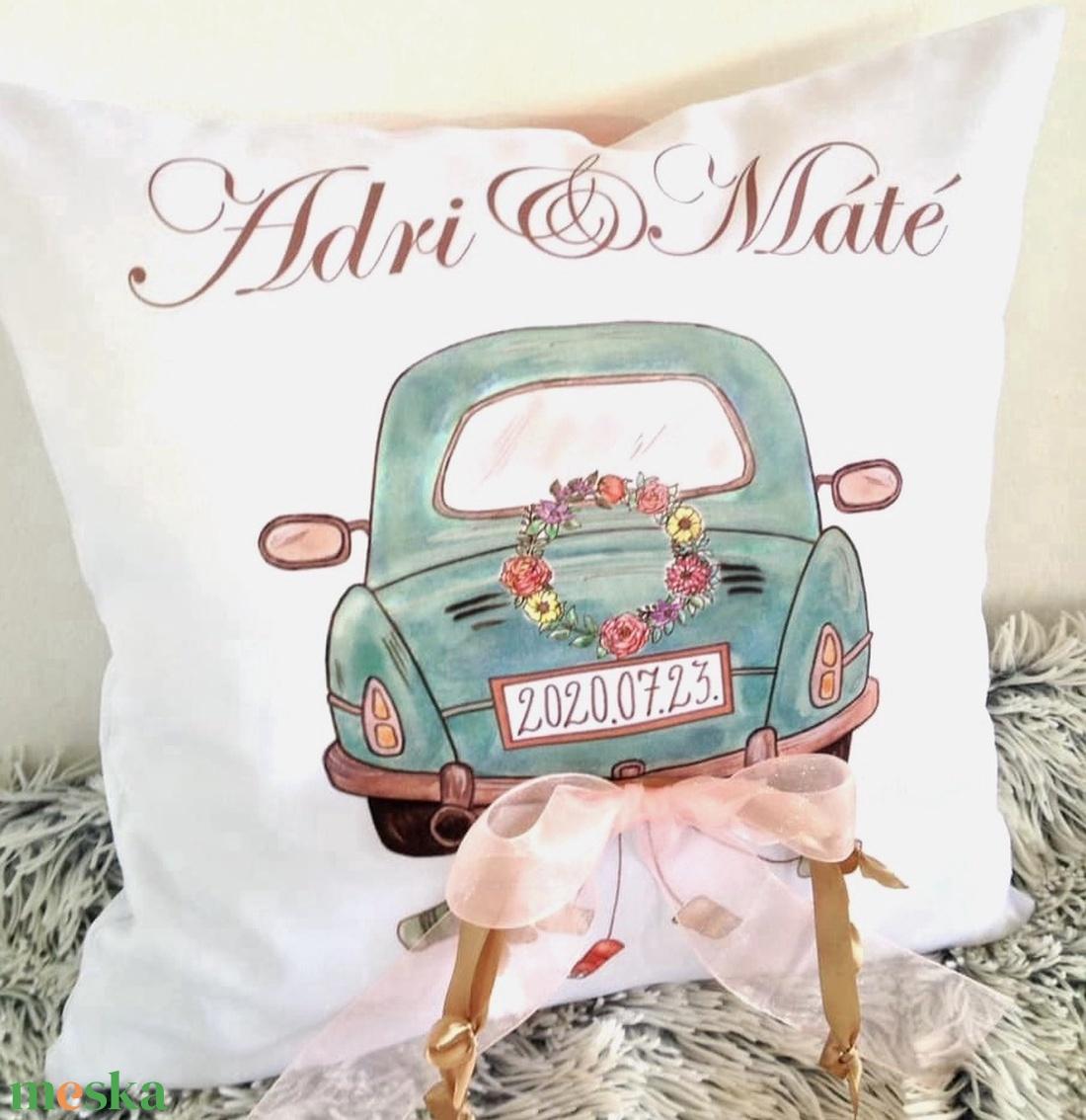 Egyedi esküvői ajándék párna névvel és dátummal, nászajándék párna, névre szóló egyedi ajándék, huzat+belső párna (EVYHomeDecor) Meska.hu