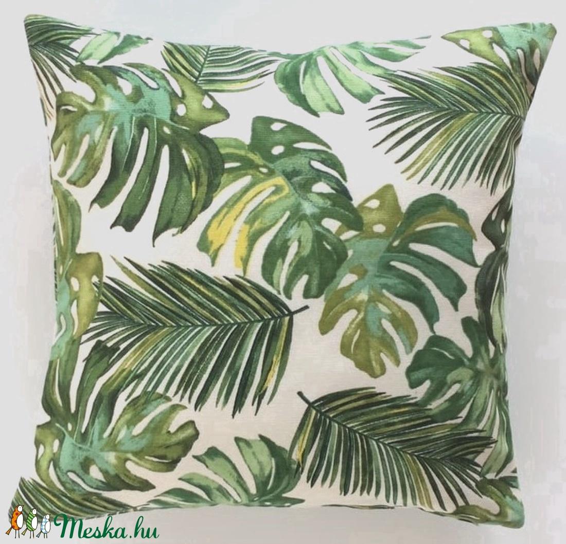 Pálmás dzsungel mintájú trópusi díszpárna, pálmaleveles trópusi díszpárna, dzsungeles díszpárna, huzat + belső párna (EVYHomeDecor) Meska.hu