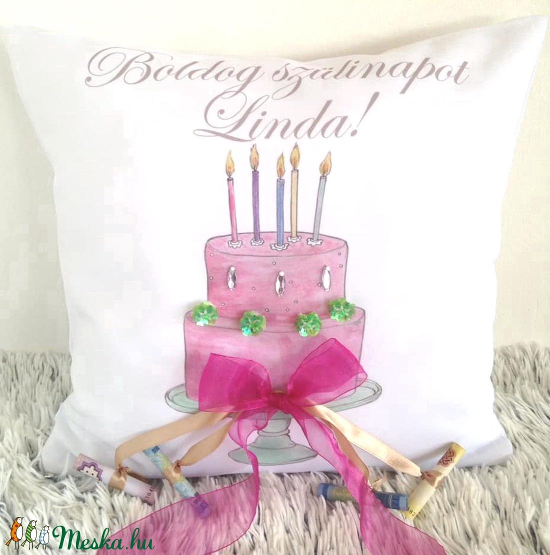 Egyedi lányos születésnapi tortás párna saját névvel és dátummal, Születésnap lány, személyre szóló, szülinapi ajándék (EVYHomeDecor) Meska.hu