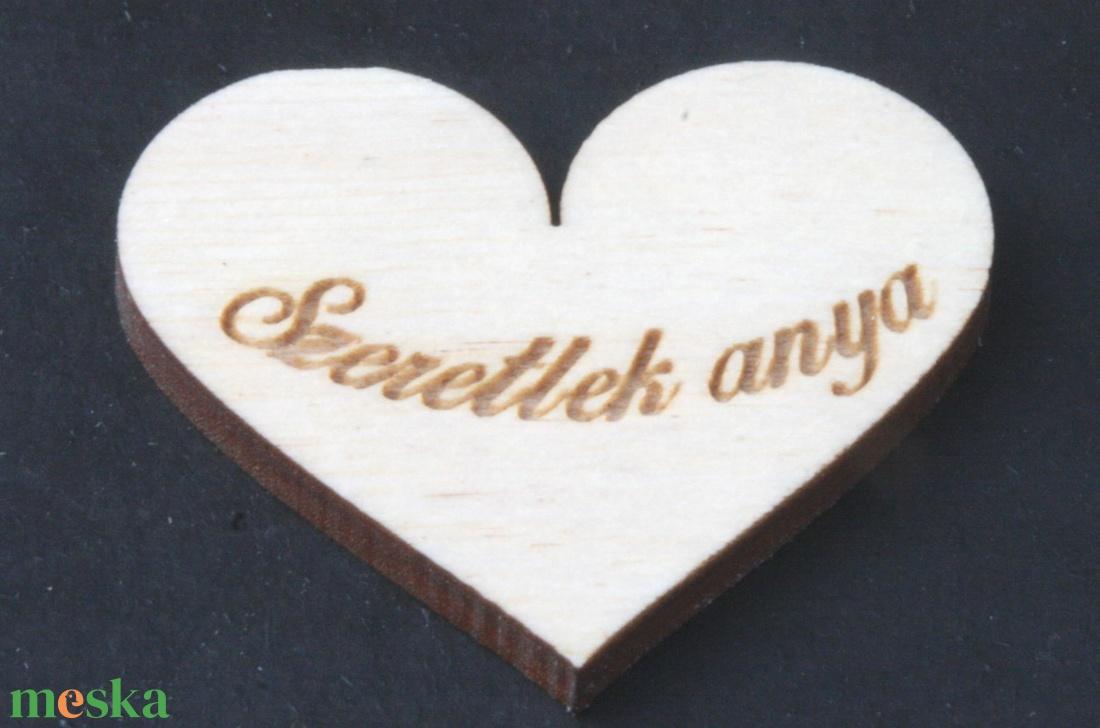 Szív 5cm szeretlek anya felirattal (000087) - Meska.hu