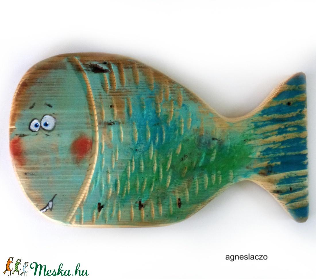 Egy fajta hal - fogas akasztó  (FANYUVASZTO) - Meska.hu