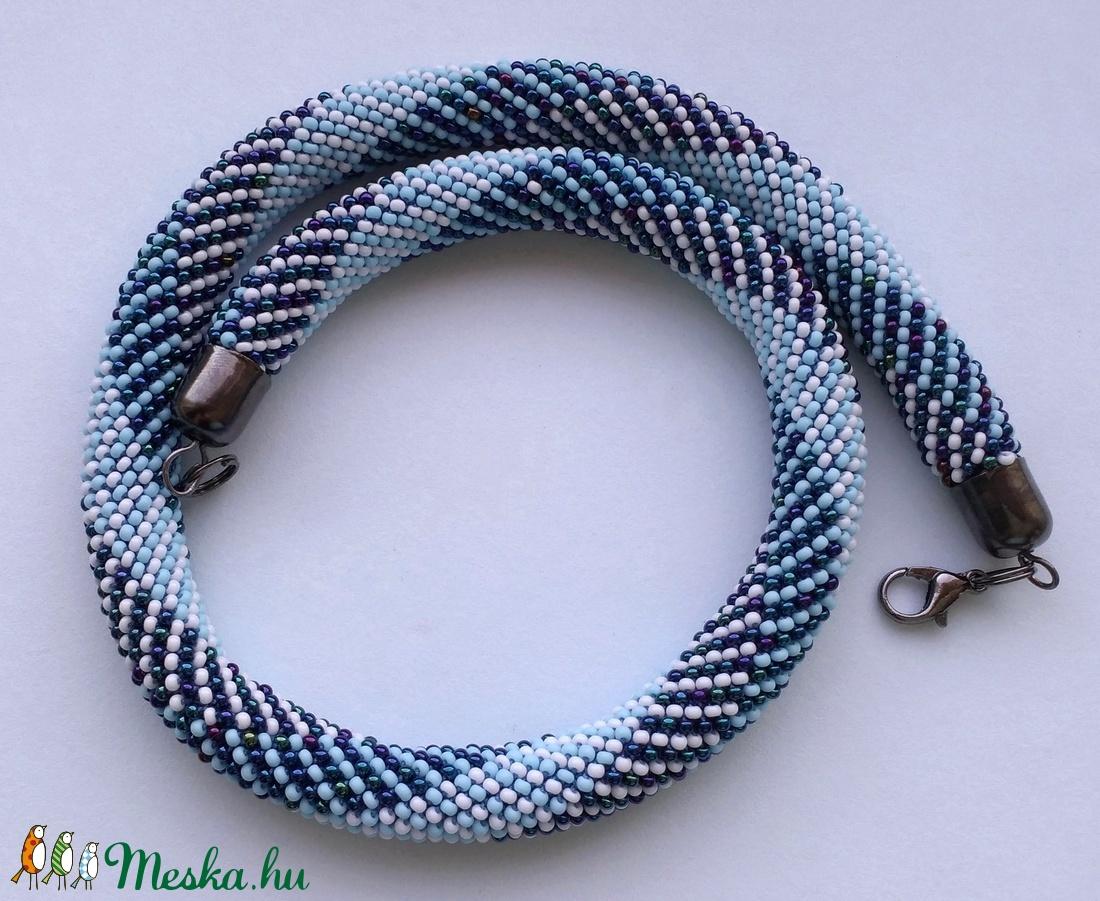 vibráló kékség nyaklánc - ékszer - nyaklánc - medál nélküli nyaklánc - Meska.hu