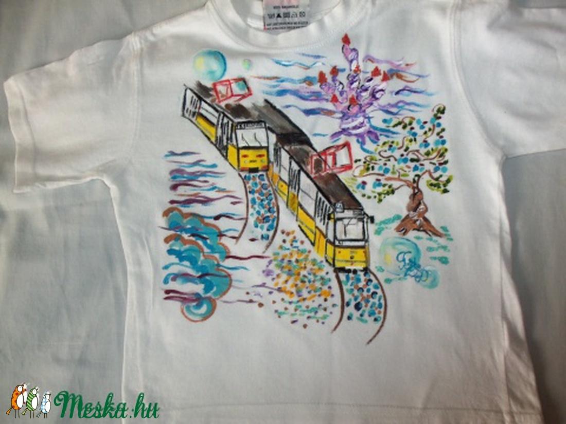 Mesekirályfi Mesés villamosai -kézzel festett gyermekpóló (Fiffancsi) -  Meska.hu da6f7517bf