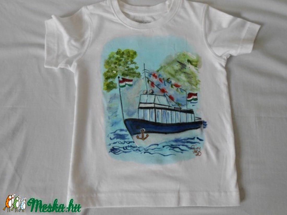 Dunai hajó kézzel festett egyedi póló rendelő által hozott alapra (Fiffancsi)  - Meska.hu 6adbf05b7e