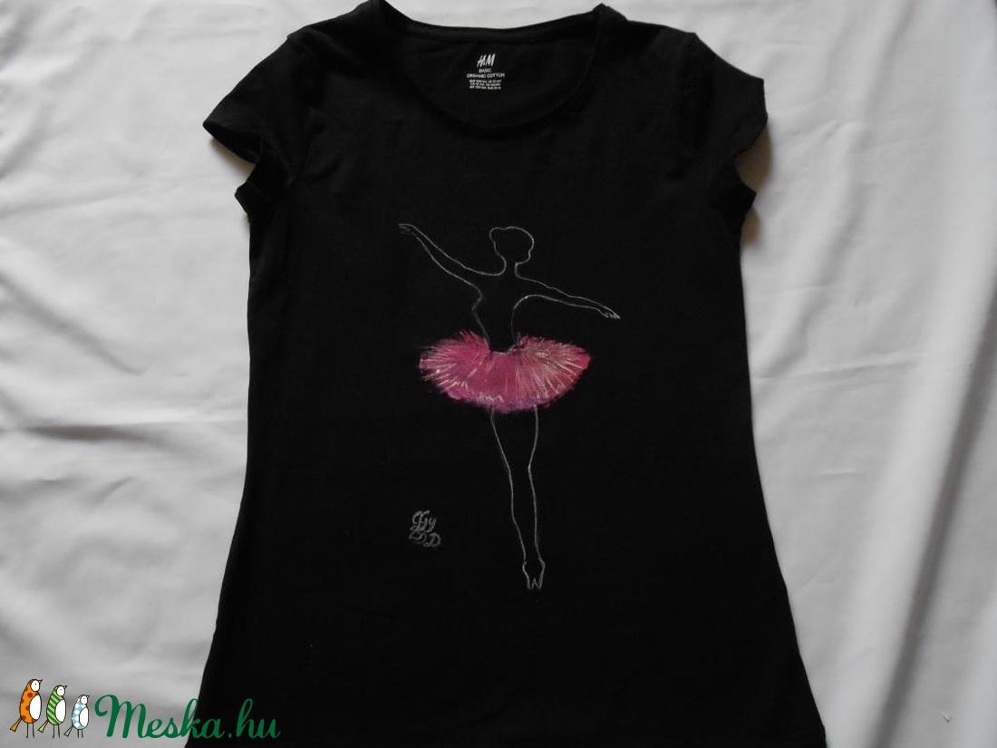 Balerína kézzel festett egyedi póló rendelő által biztosított darabra ( Fiffancsi) - Meska.hu 9fd16922a2