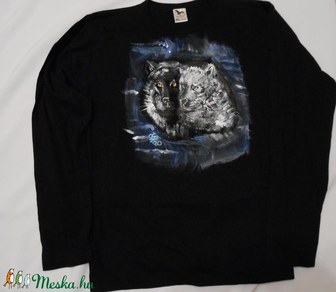 Farkasok és szerelmeseik kézzel festett egyedi póló rendelő által  biztosított pólóra (Fiffancsi) - Meska.hu b3bce72d63