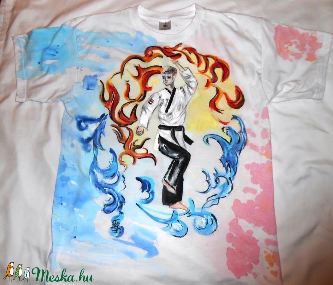 Taekwondo tűz és viz kézzel festett egyedi póló rendelő által biztosított  darabra (Fiffancsi) - Meska.hu cfc2ac36ff