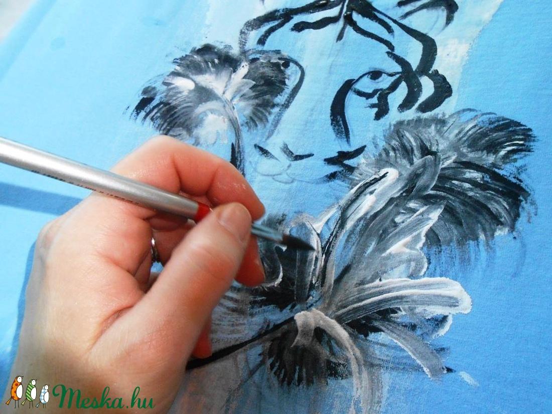 Tigris kézzel festett egyedi póló PÓLÓIMAT RENDELŐIM HOZZÁK! (Fiffancsi) -  Meska.hu fc761fa253