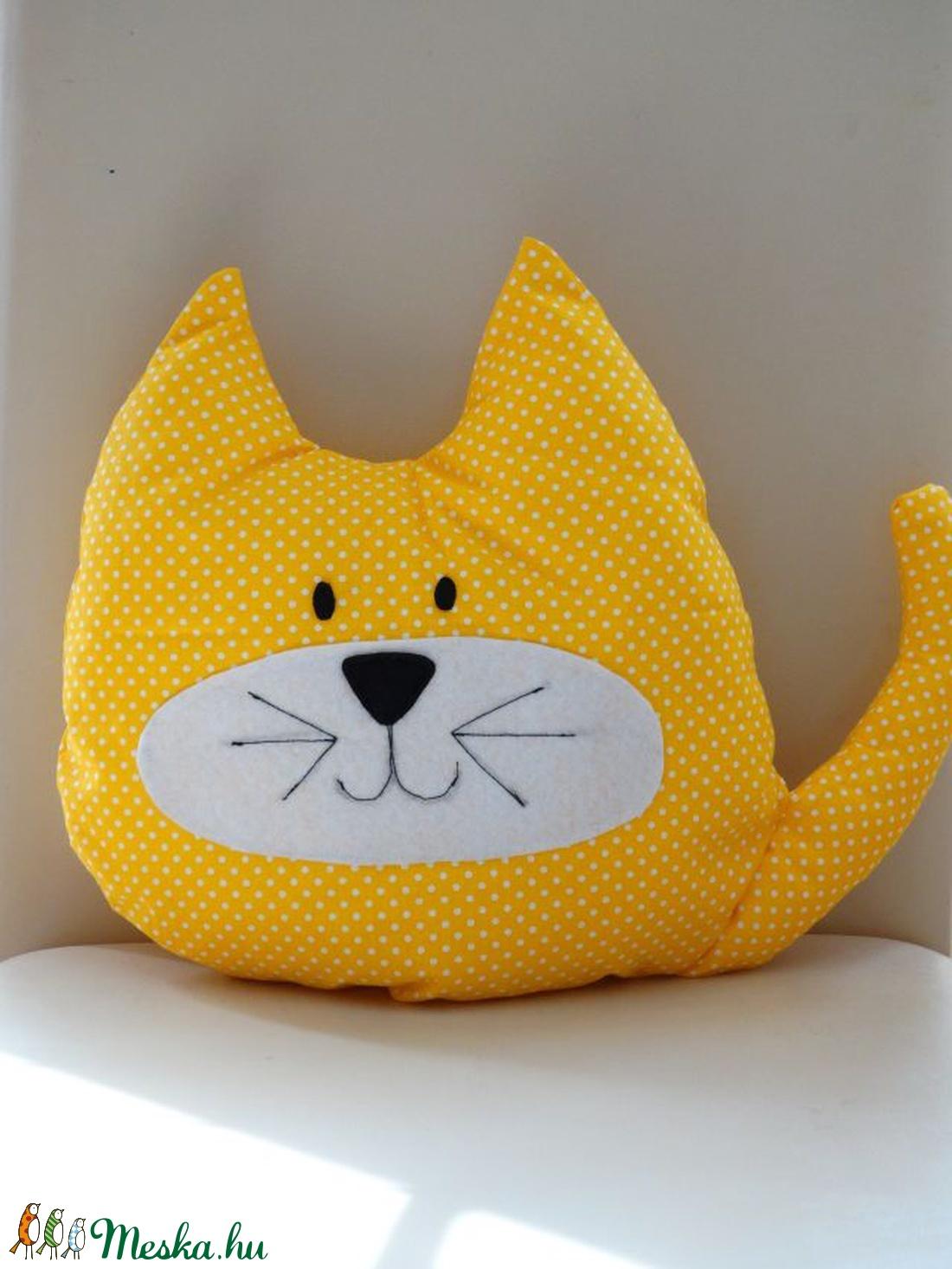 Narancssárga pöttyös Cica - Cica Figura - Cica párna - Textil játék -  Textil figura e870900041