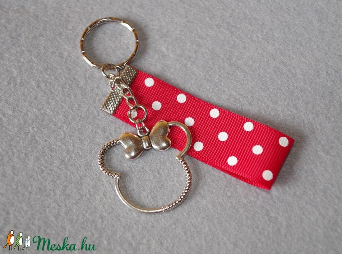 f7d2dad30f ... piros alapon fehér pöttyös Minnie egeres kulcstartó (fittipaldi82) -  Meska.hu ...