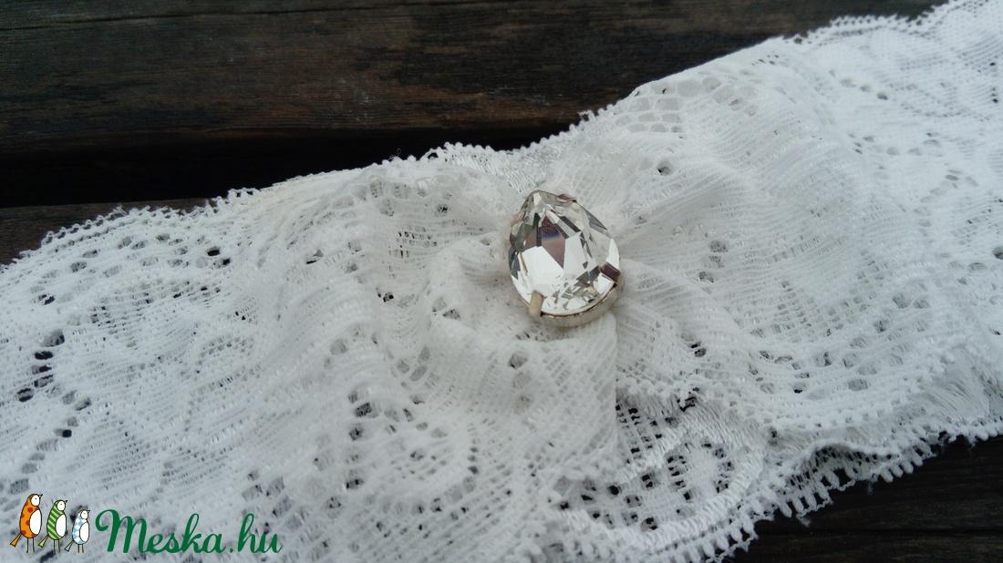 Hófehér csipke harisnyakötő (FloraDesign) - Meska.hu b9364a1692