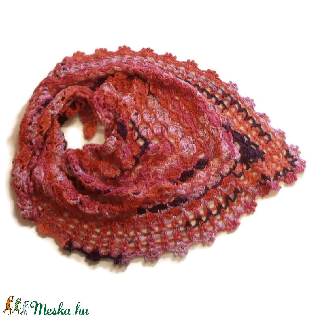 Élénk színátmenetes rózsapiros csipkekendő, sál - ruha & divat - sál, sapka, kendő - kendő - Meska.hu