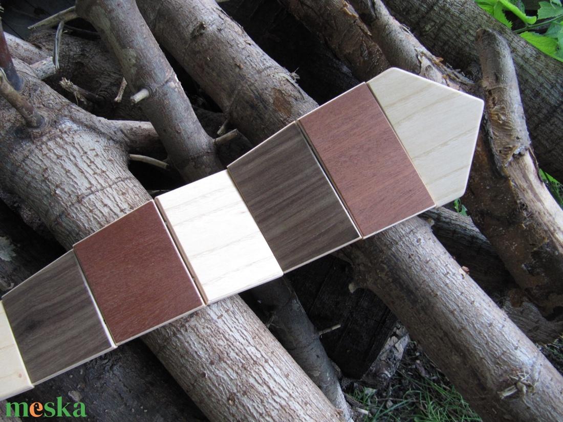 Csíkos nyakkendő fából - ruha & divat - férfi ruha - nyakkendő - Meska.hu