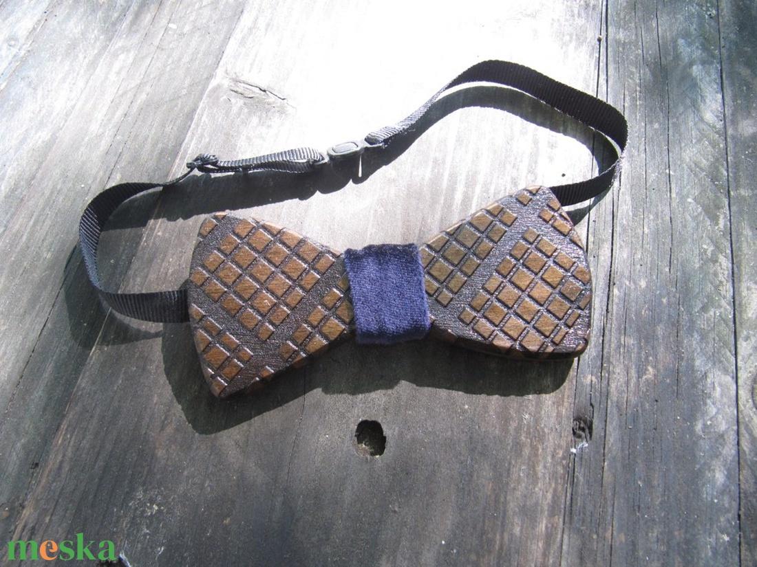 Kockás csokornyakkendő diófából 2. - esküvő - kiegészítők - nyakkendő - Meska.hu