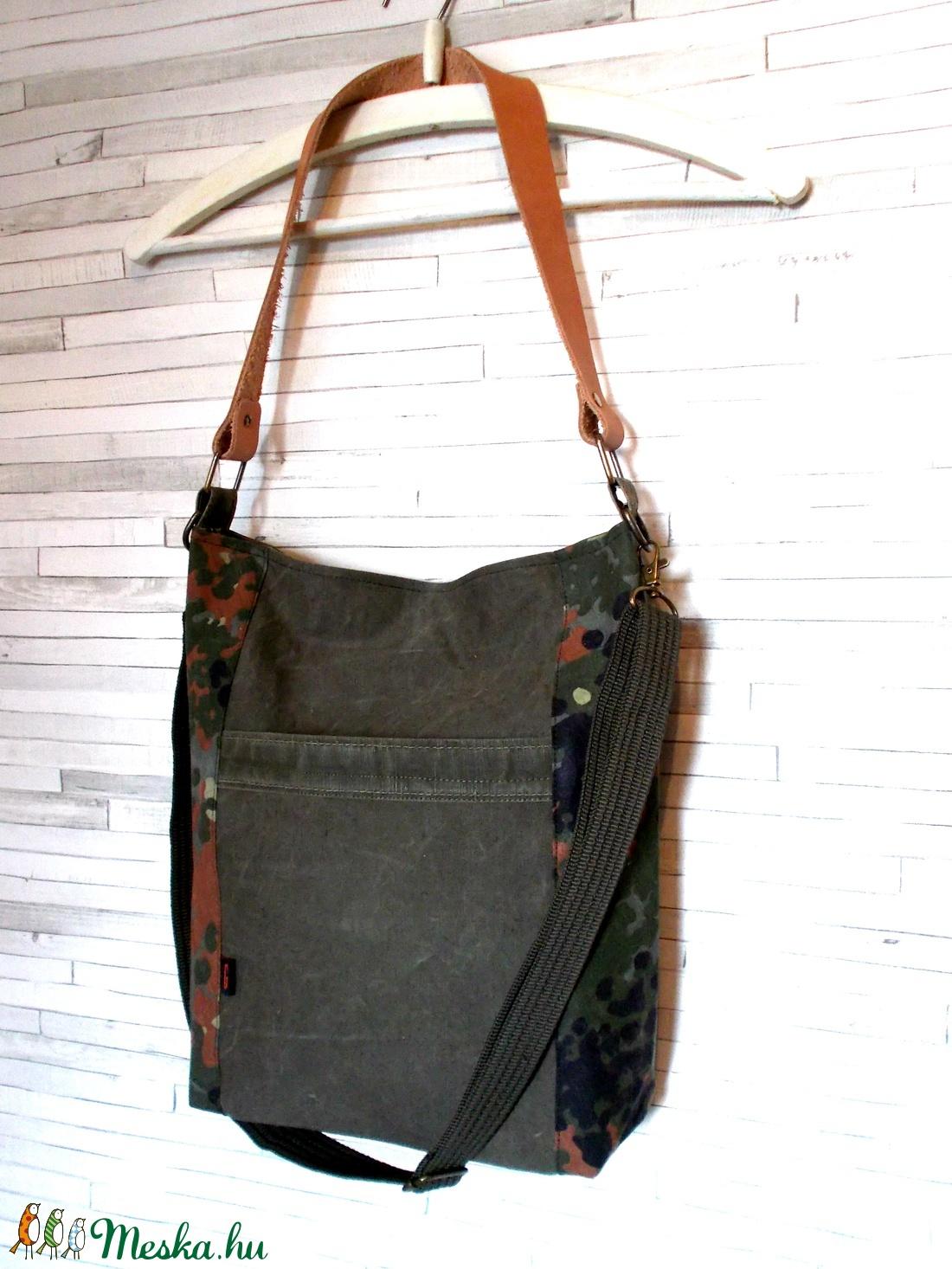 Recycled bőr füllel-női válltáska málhazsákból (gabbby) - Meska.hu dccd6fdc9b