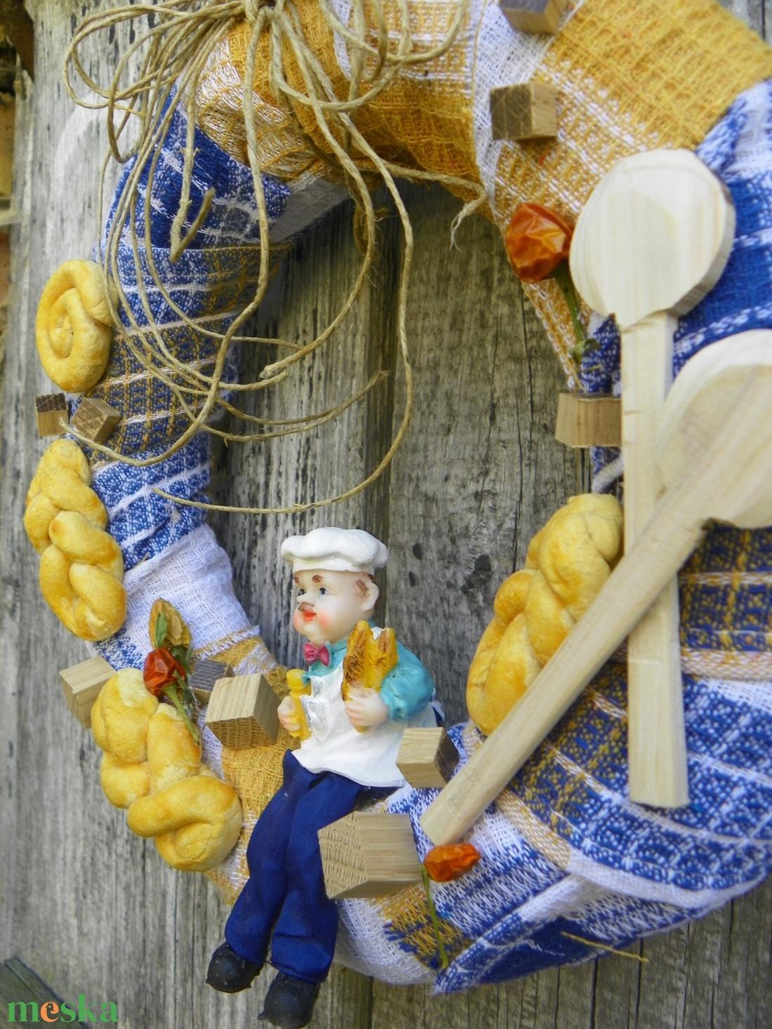 Konyhatündér- ajtódísz,kopogtató,konyhadísz, koszorú,falidísz,  - otthon & lakás - dekoráció - ajtódísz & kopogtató - Meska.hu