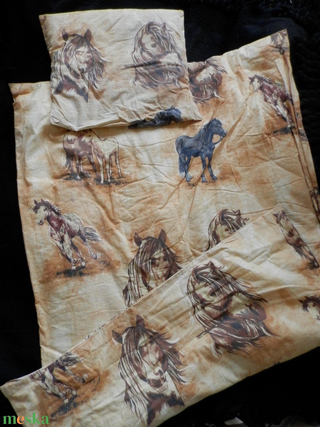 Lovas ágynemű: takaró-, párnahuzat pamut anyagból - otthon & lakás - lakástextil - párna & párnahuzat - Meska.hu
