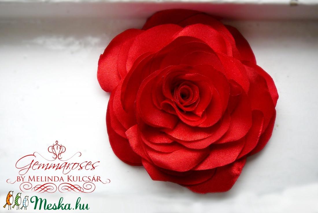 Piros stilizált rózsa - kitűző/hajcsat (gemma) - Meska.hu