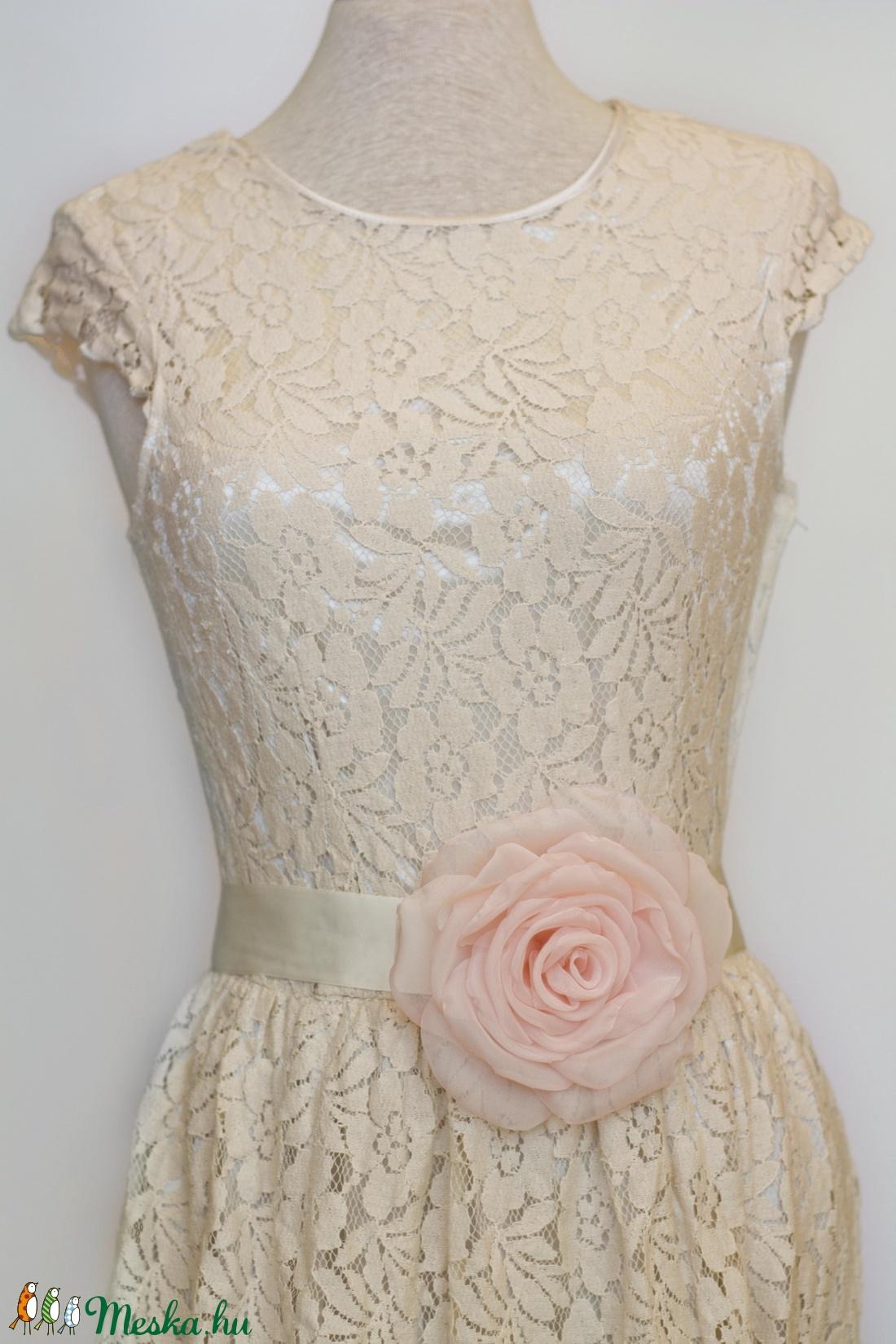 Szaténöv rózsaszín rózsával (gemma) - Meska.hu
