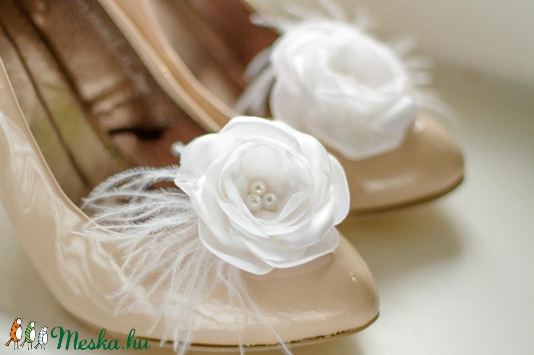 Esküvői cipőklipsz tollal - rendelhető (gemma) - Meska.hu