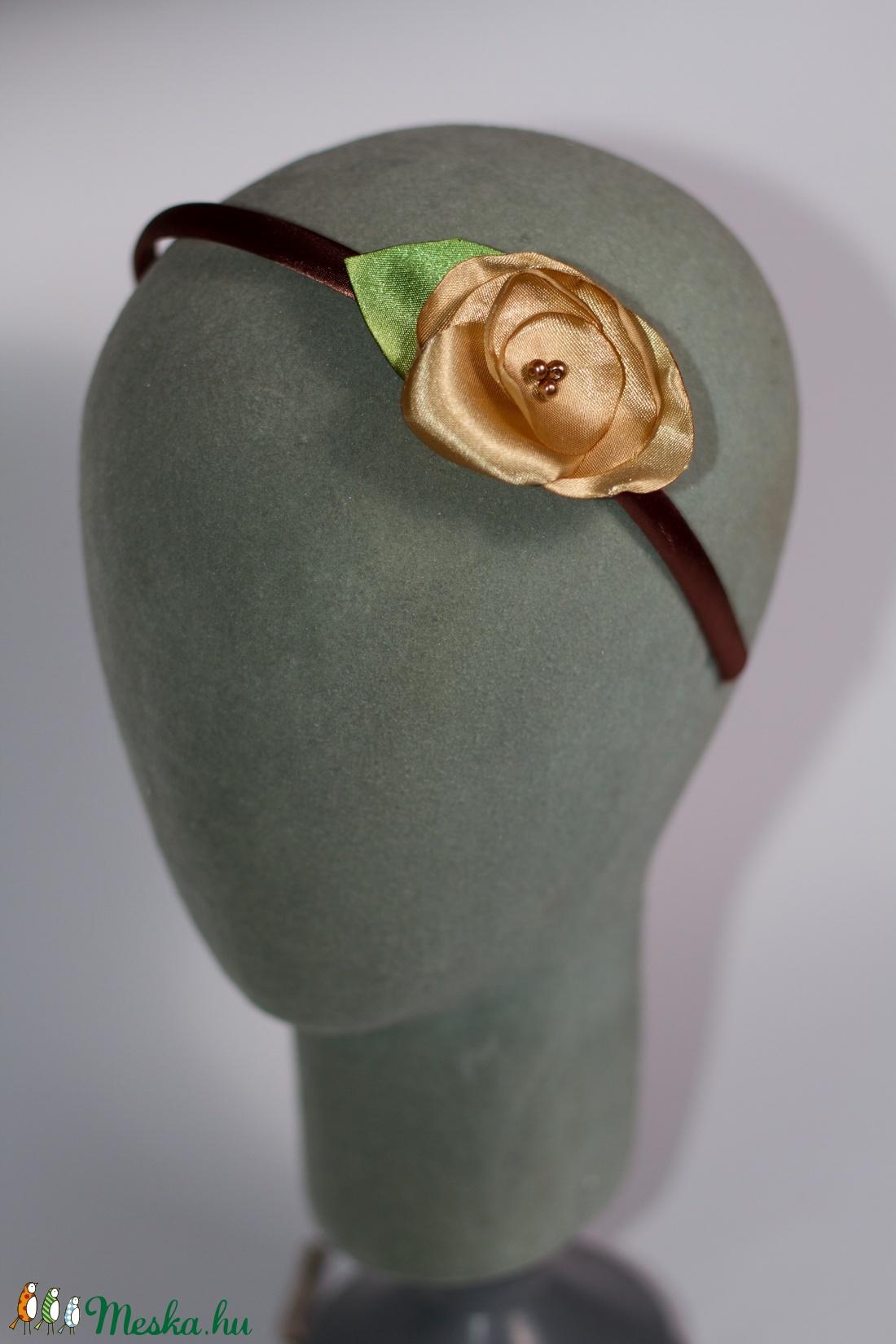 Hajpánt arany színű rózsával (gemma) - Meska.hu