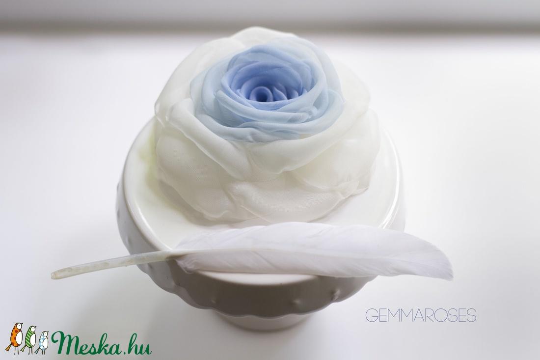 Átmenetes rózsa (kék) - bross/hajcsat (gemma) - Meska.hu