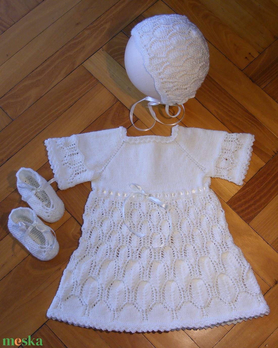 Keresztelőruha + cipő + sapka szett 0 - 6 hónapos kislánynak (Gildiko63) -  Meska.hu 336cce01da