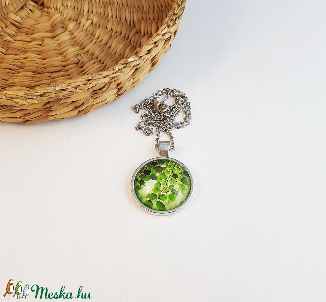 Zöld leveles mintás nyaklánc (GombocEkszerek) - Meska.hu
