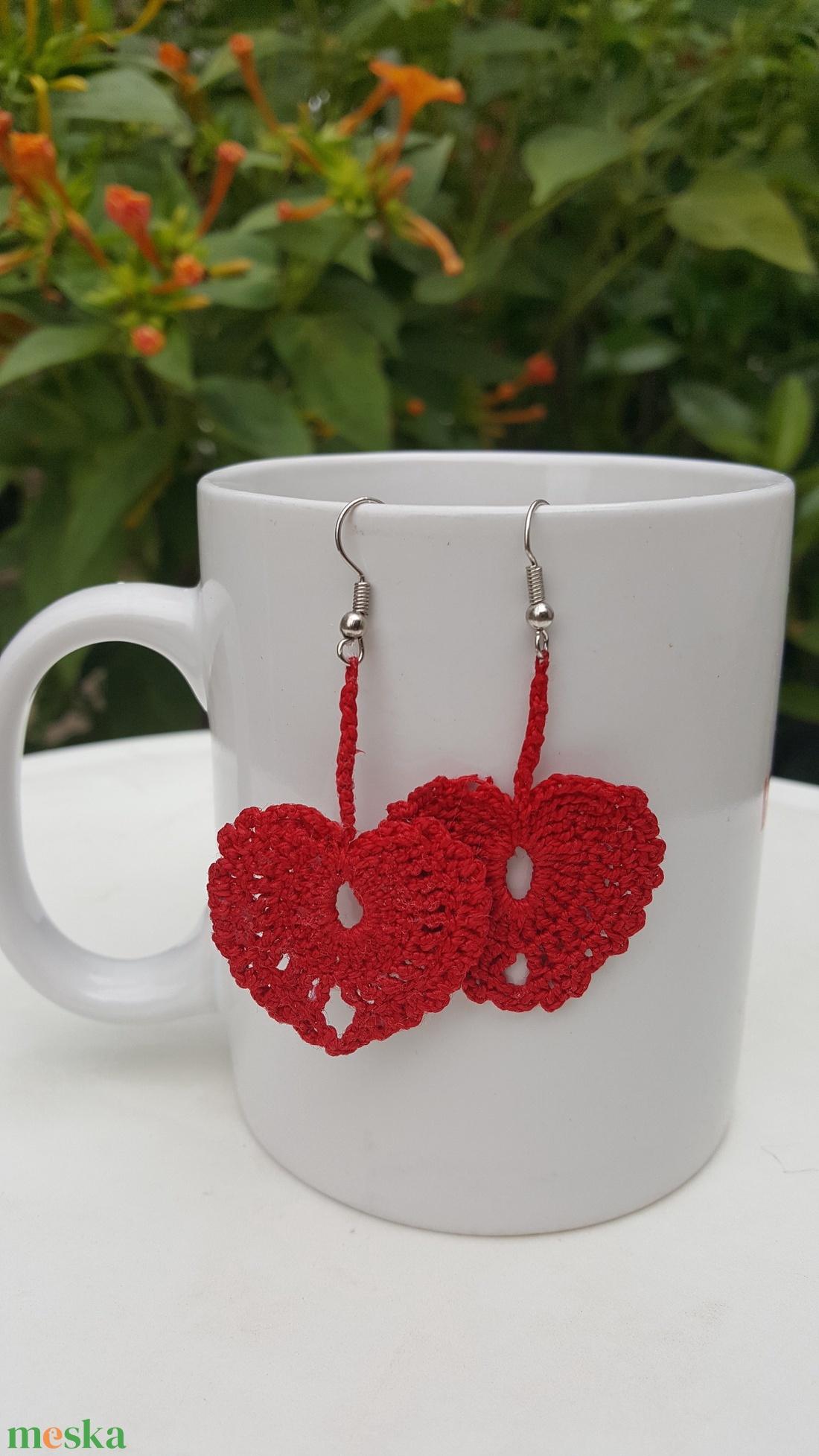 Szív alakú horgolt fülbevaló (GombosEmese) - Meska.hu
