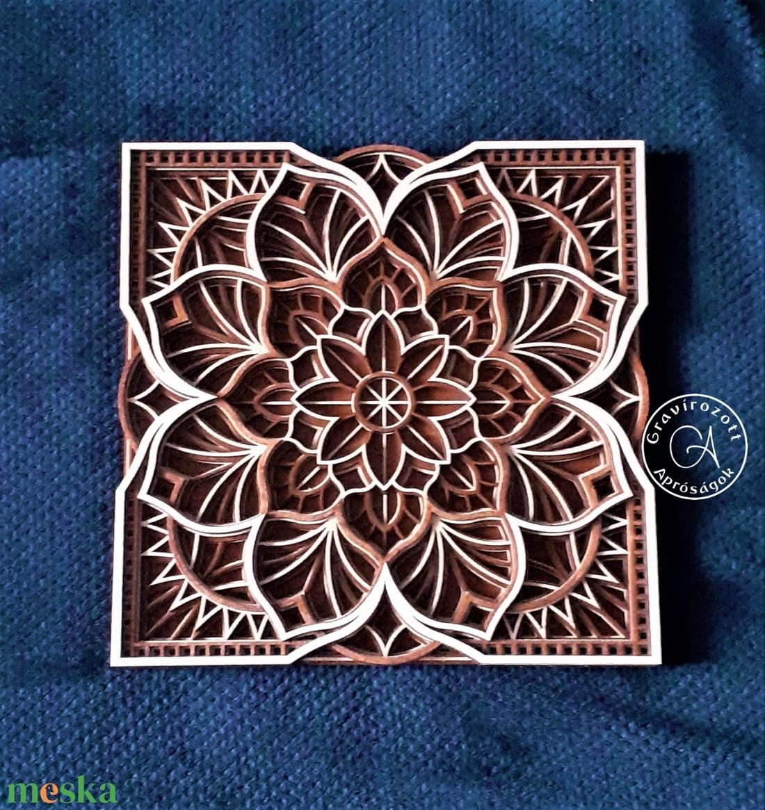Virágos mandala négyzet formába foglalva 35x35 cm méretben - otthon & lakás - dekoráció - mandala - Meska.hu