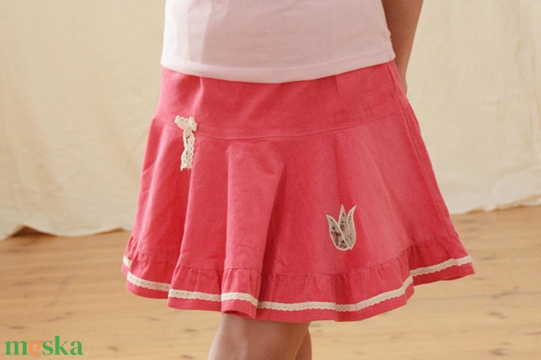 e75ce4e7a9 PÖRGŐS kord szoknya, 110-164-es, világos rózsaszín, lány, pamut csipke  díszítéssel