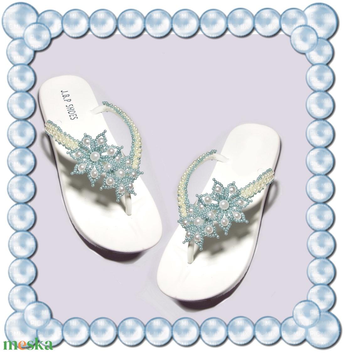 Gyöngyhimzett Flip-flop papucs  - ruha & divat - cipő & papucs - papucs - Meska.hu