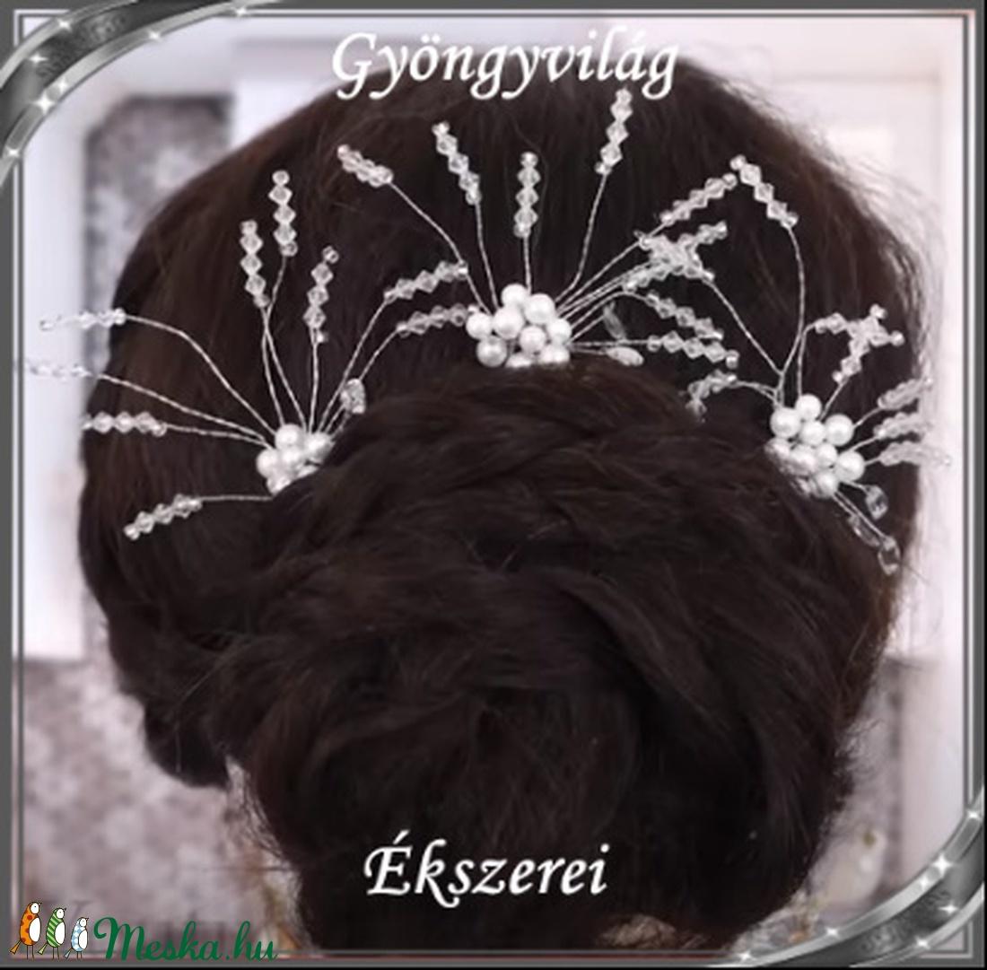 Ékszerek-hajdíszek, hajcsatok: Esküvői, menyasszonyi, alkalmi hajdísz S-H-TŰ13a-c.ab-feh - esküvő - hajdísz - fésűs hajdísz - Meska.hu