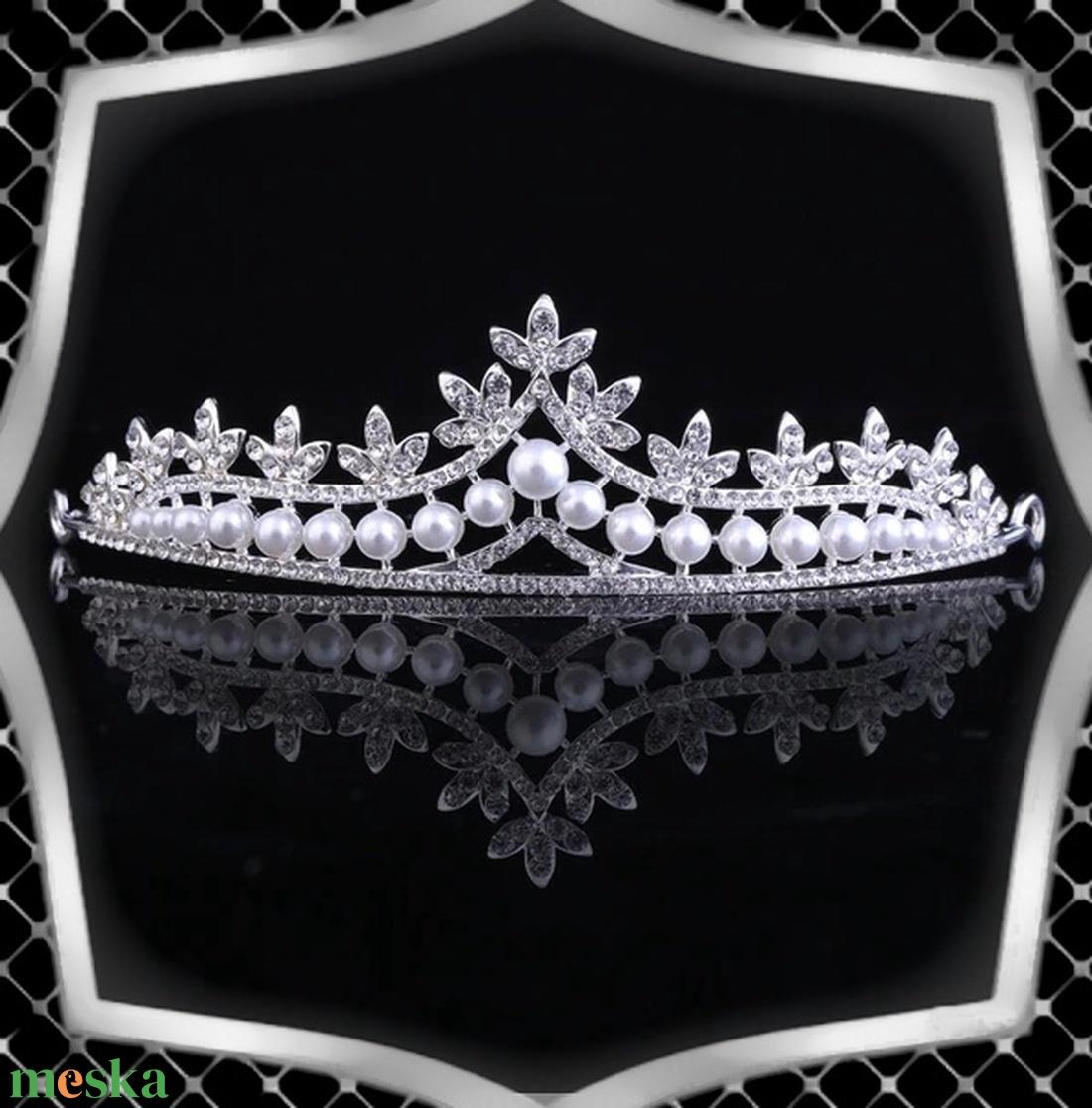 Ékszerek-hajdíszek, hajcsatok: Esküvői, menyasszonyi, alkalmi hajdísz ES-H-TI09 - esküvő - hajdísz - fésűs hajdísz - Meska.hu