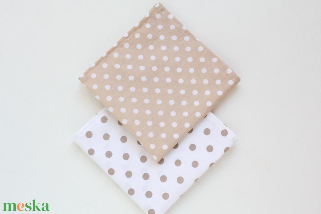 2 db textil szalvéta, 100% pamutvászon - fehér alapon beige/bézs pöttyös és beige/bézs alapon fehér pöttyös mintával (haboskave) - Meska.hu