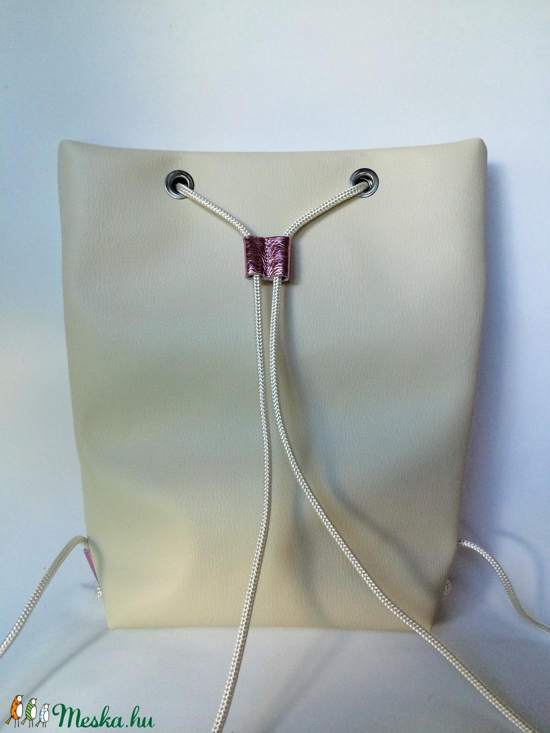 TEKLA bag törtfehér fényesrózsaszín bőr zsebes hátizsák (hegymegigabi) -  Meska.hu 5df1f2f7a2