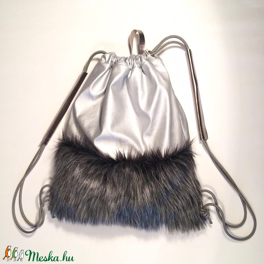 Winter street fur bag ezüstfogóval (hegymegigabi) - Meska.hu