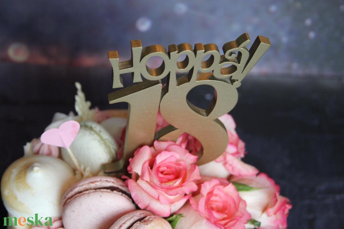 Hoppá 18, 18. születésnapi humoros tortadísz /hűtőmágnes Tortadekoráció Születésnapi tortadísz - otthon & lakás - konyhafelszerelés - sütidísz - Meska.hu