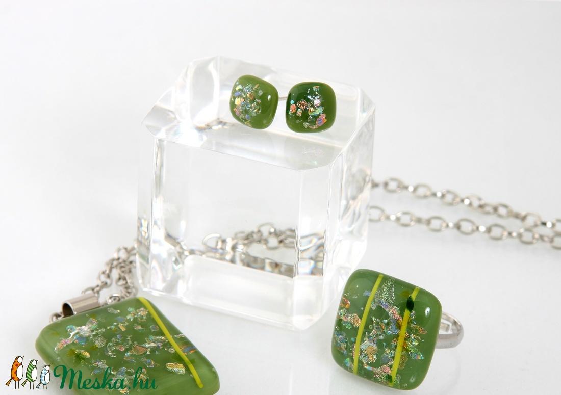 Zöld csillámos pötty füli, üvegékszer - ékszer - fülbevaló - pötty fülbevaló - Meska.hu