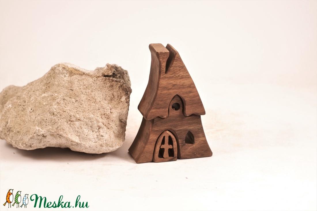 Fa házikó, fa építő, kirakó - játék & gyerek - építőjáték - Meska.hu
