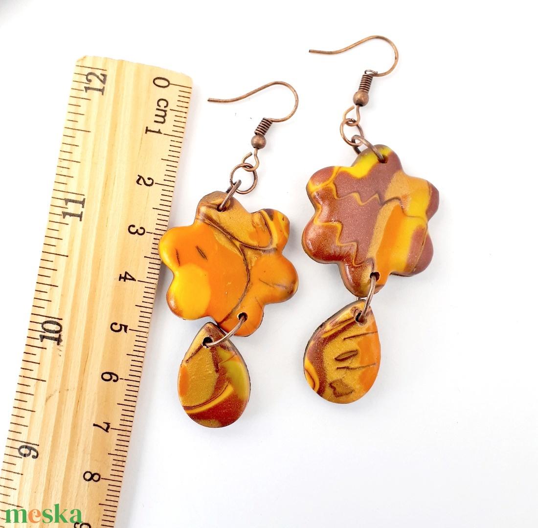 Őszi, virág fülbevaló ékszergyurmából, narancs, barna, sárga - ékszer - fülbevaló - lógó fülbevaló - Meska.hu