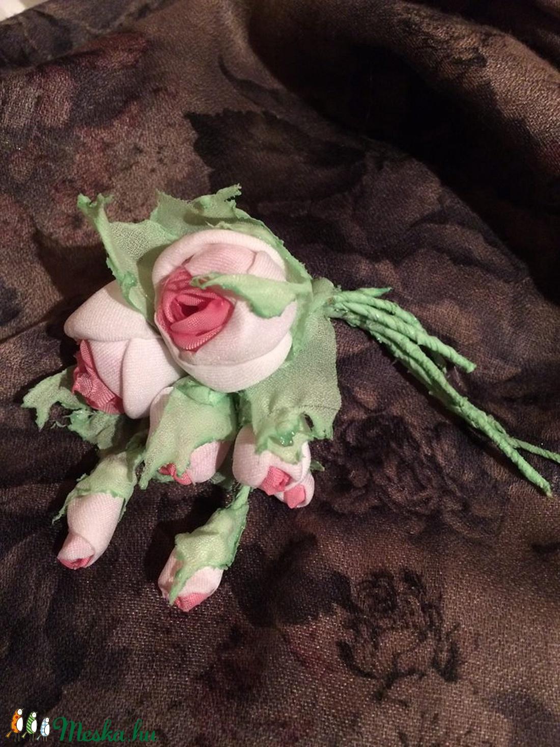 2b13c5650286 ... Rózsa-romantika- textilékszer - bross (igliceszivem) - Meska.hu ...