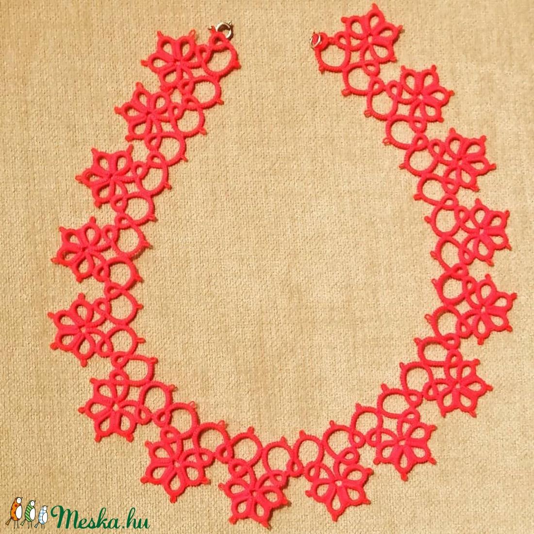 Csipke nyaklánc piros (ImeliLace) - Meska.hu