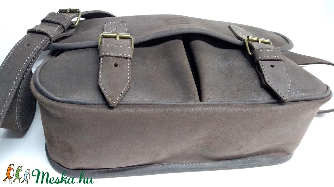 Barna marhabőr táska sétához 007c081de7