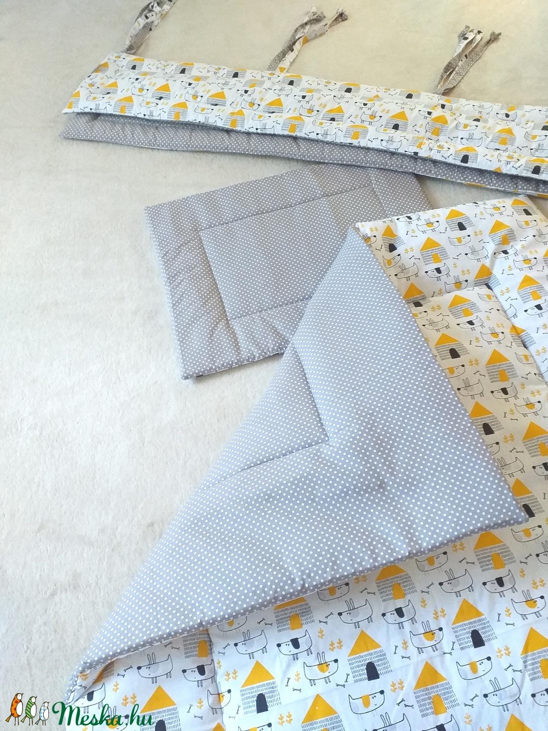 Négy részes garnitúra: paplan+párna+rácsvédő+zsebes tároló /Vau-vau/ - otthon & lakás - lakástextil - szett kiságyba - Meska.hu