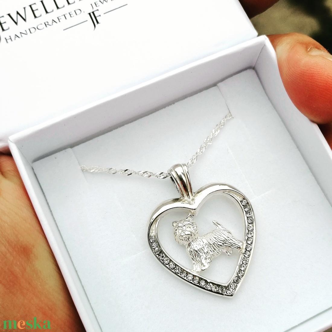 Westie ezüst medál Swarovski kővel díszítve nyaklánccal díszdobozban (jewelledfriend) - Meska.hu