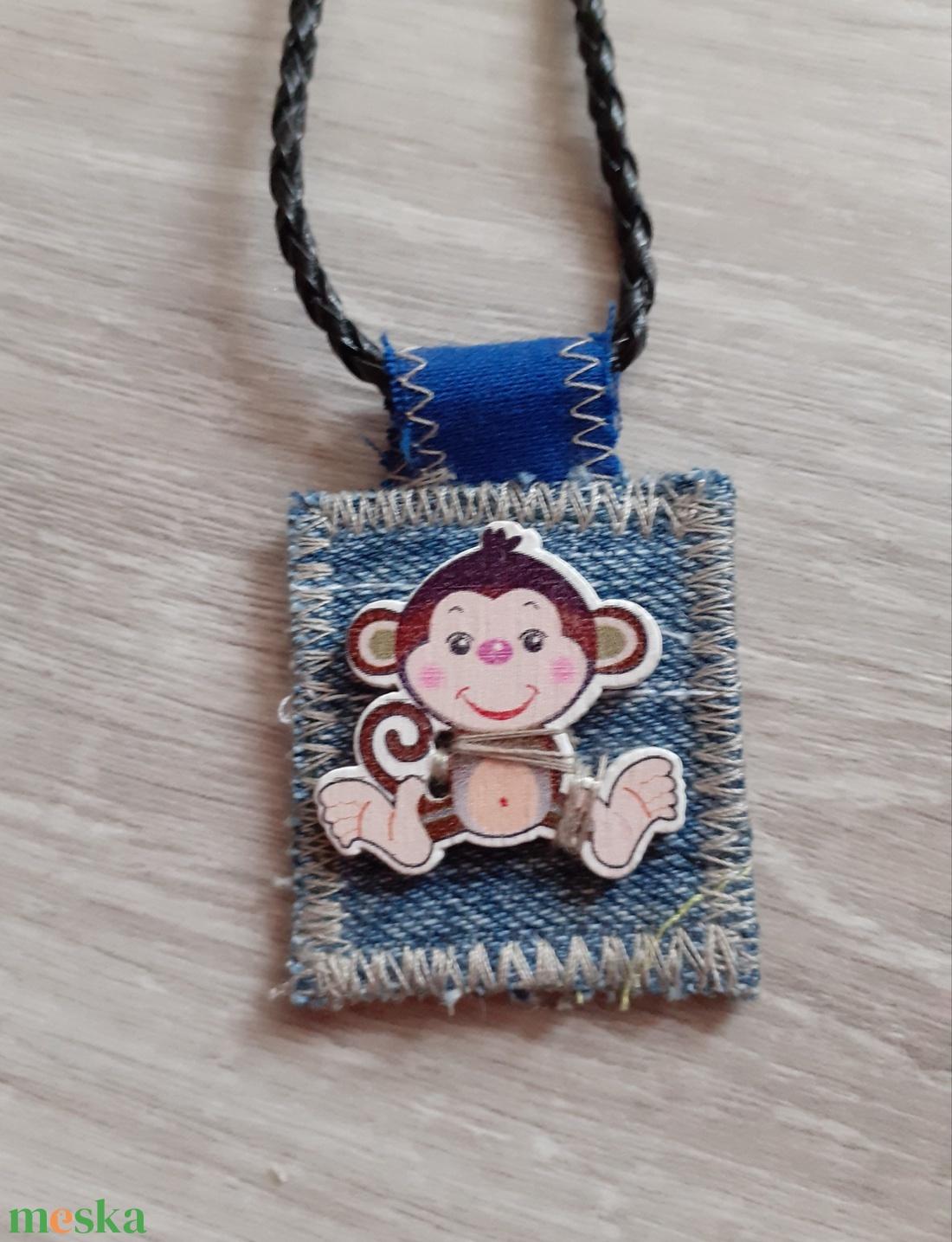 Farmer majmos medál - ékszer - nyaklánc - medálos nyaklánc - Meska.hu