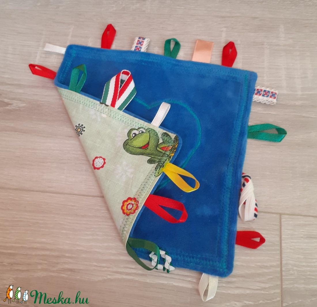 Békás címkerongyi  - játék & gyerek - 3 éves kor alattiaknak - alvóka & rongyi - Meska.hu