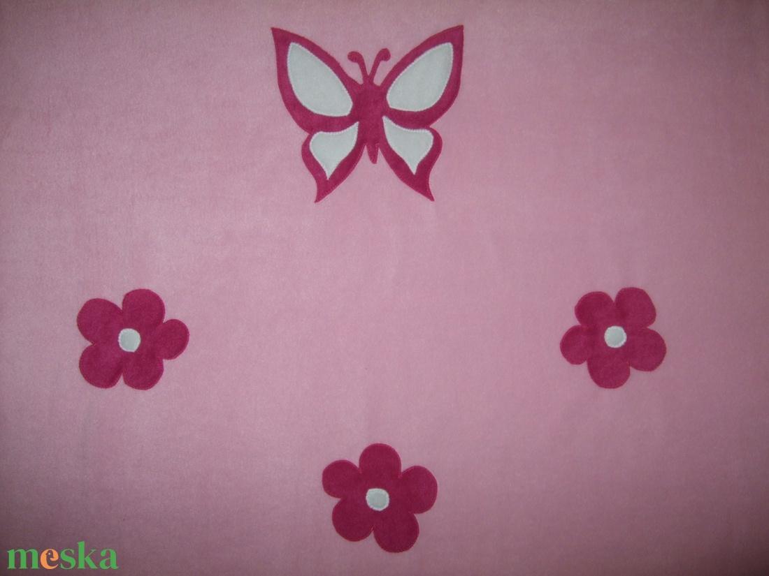 Névre szóló pillangós takaró (Kedvesajandek) - Meska.hu 5e589649b1